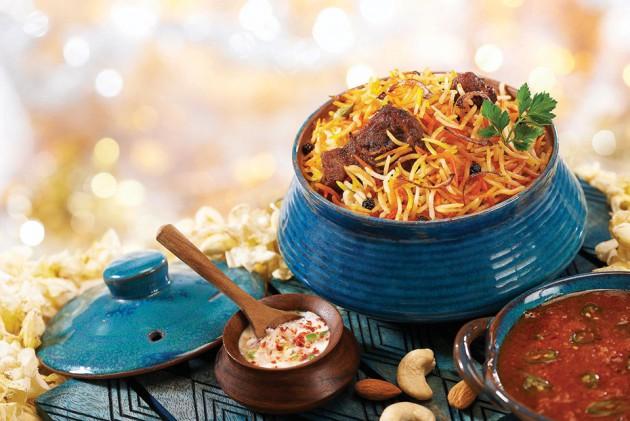 উৎসবের দিনে রেঁধে ফেলুন সুস্বাদু 'কাচ্চি বিরিয়ানি'